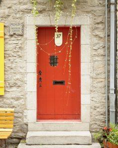 Red Door Art - Maison Amiot