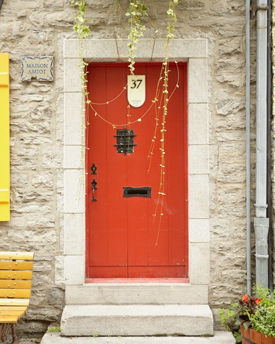 Red Door Art   Maison Amiot
