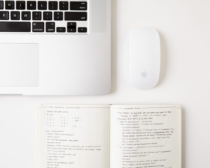 How to Keep Your Desk Tidy