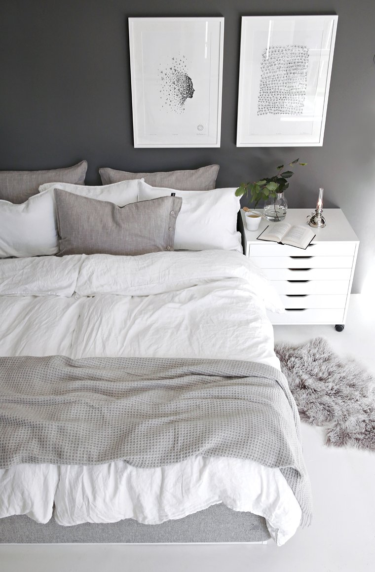 Two Duvets on One Bed - Stylizimo